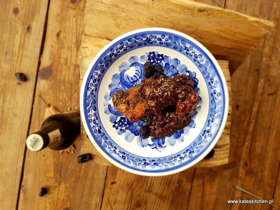 15644996 10208087273243177 1302150378 n - Żeberka wieprzowe w sosie piwno-grzybowo-śliwkowym w żeliwnym kotle duszone - przepis