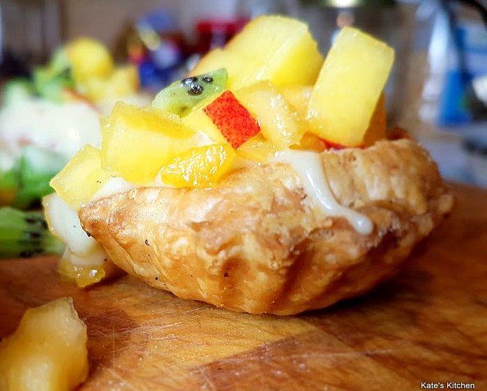 20180201 202253 698x560 - Babeczki z ciasta francuskiego z crème pâtissière z koniakiem i owocami