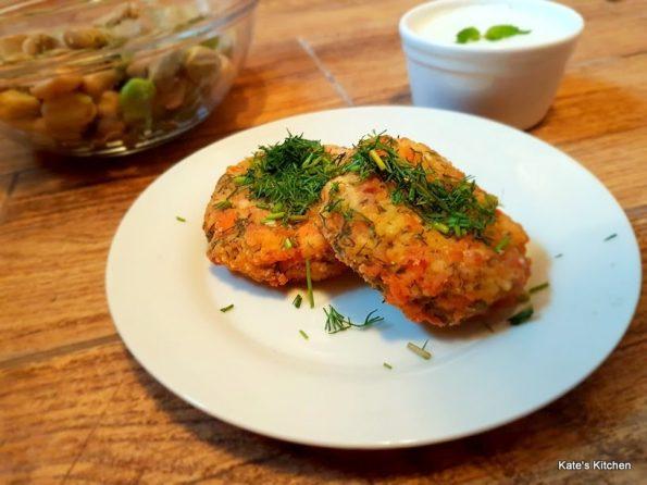 20180619 155803 595x446 - Kotleciki z łososia i kaszy jaglanej z sosem miętowo-czosnkowym
