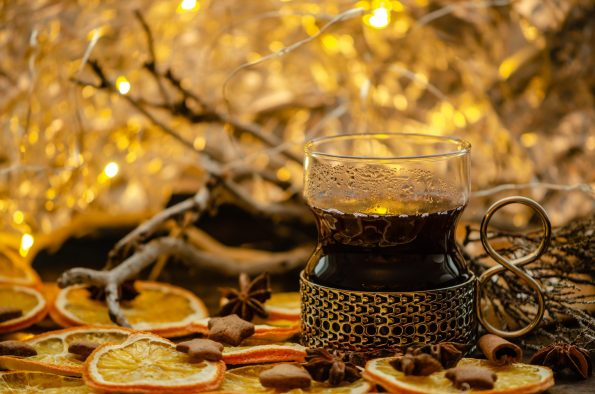 mulled wine 3896384 595x394 - mulled-wine-3896384