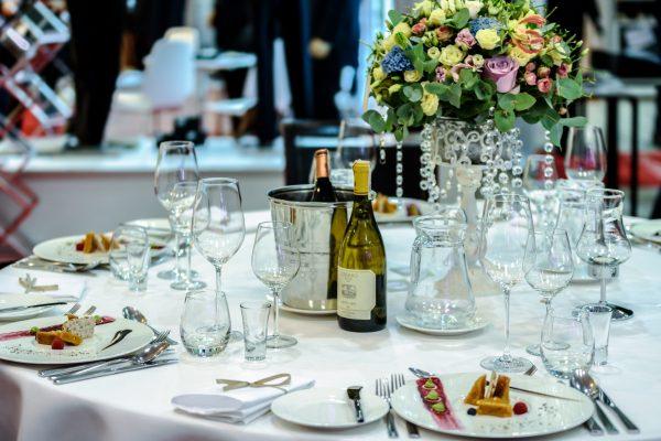exclusive banquet 1812772 600x400 - Nakrycie pełne