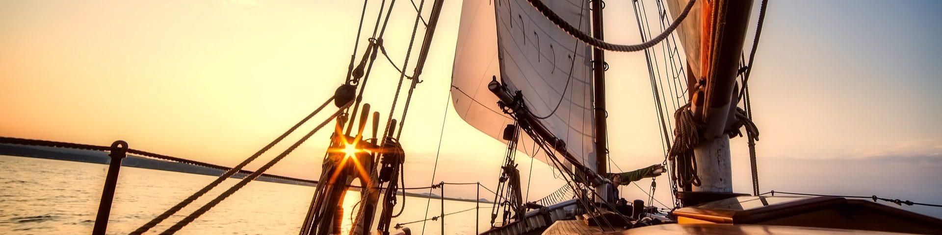 sailing 2542901 1920 1920x480 - Wino pod żaglami
