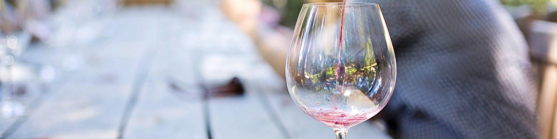 wine 1952051 1920 1920x480 - [Winna Szkoła] Jak przygotować się do degustacji wina