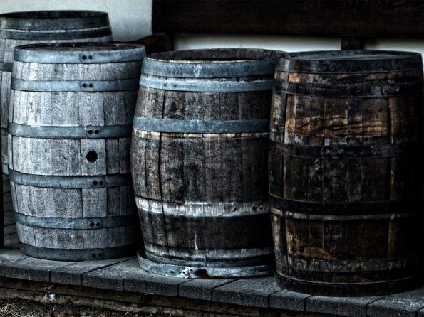 barrel 52934 595x446 - [Wiedza o winie] Co to jest wino?