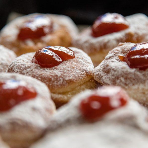 donuts 3944125 1920 595x595 - Pączki. Najlepszy przepis.